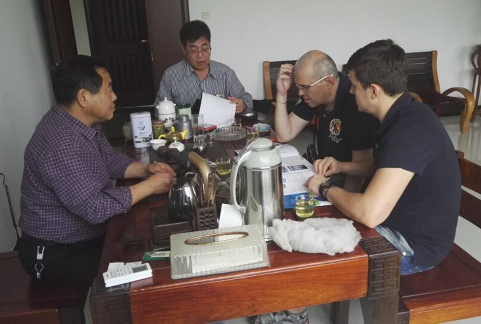 乌兹别克斯坦客户来我司洽谈合作