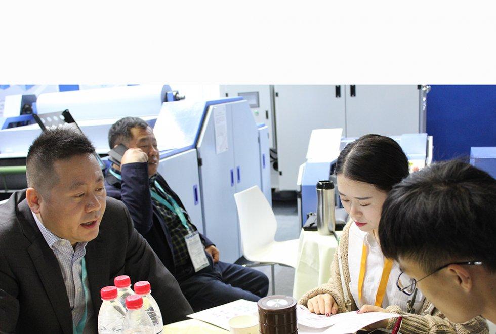 2018上海纺机展-央视匠心栏目组现场采访